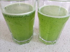 Lemon and parsley juice