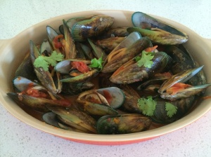 Mussels with thyme and tomatoes