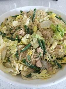 Bang bang chicken noodle salad